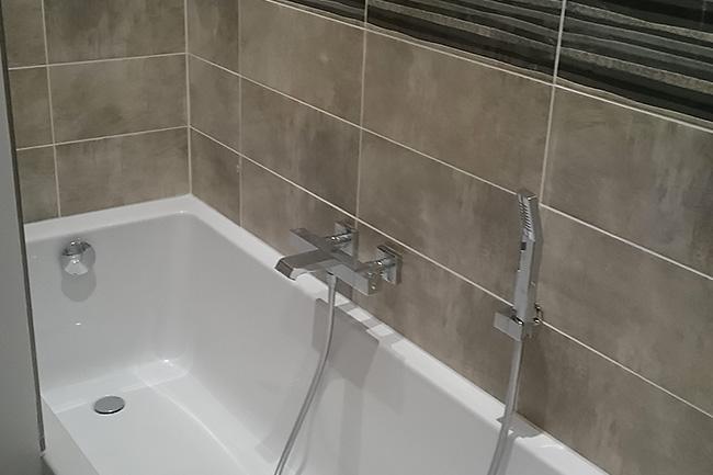 salle de bains carrelage chauffage piscine bricolage tous les produits magni fic. Black Bedroom Furniture Sets. Home Design Ideas